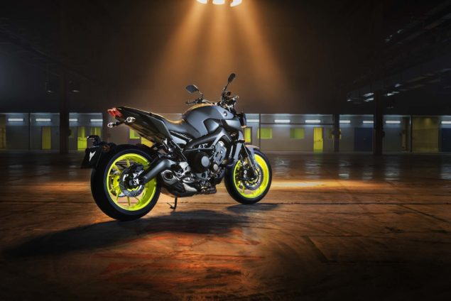 2017-yamaha-mt-09-europe-static-05