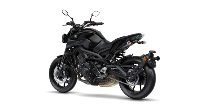 2017-yamaha-mt-09-europe-static-13