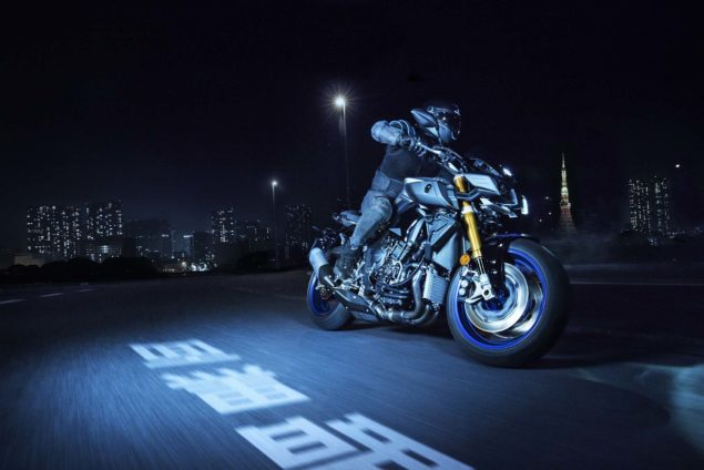 2017-yamaha-mt-10-sp-europe-action-04