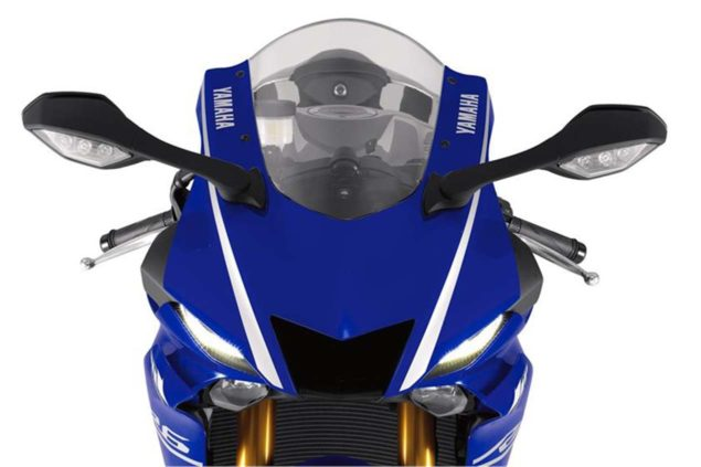 2017-yamaha-yzf-r6-low-res-18
