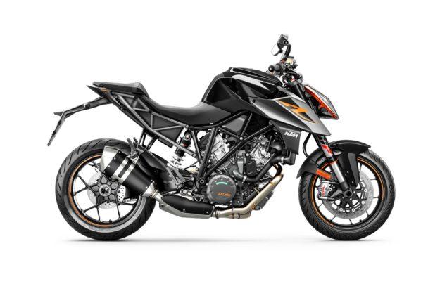 2017-ktm-1290-super-duke-r-static-01