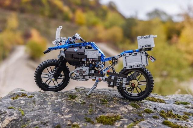 bmw-r1200gs-lego-technic-outdoor-02