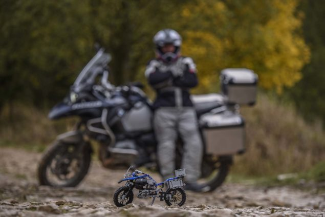 bmw-r1200gs-lego-technic-outdoor-06