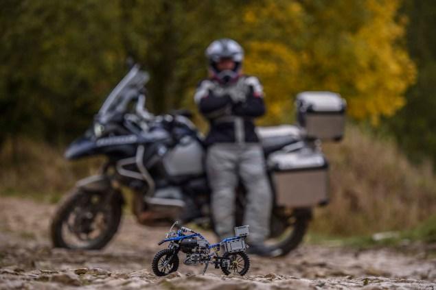 bmw-r1200gs-lego-technic-outdoor-06
