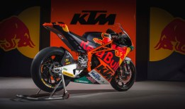 2017-KTM-Moto2-Team-Launch-08