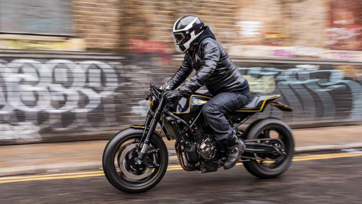 "Yard Built Yamaha XSR700 ""Double-Style"" by Rough Crafts"