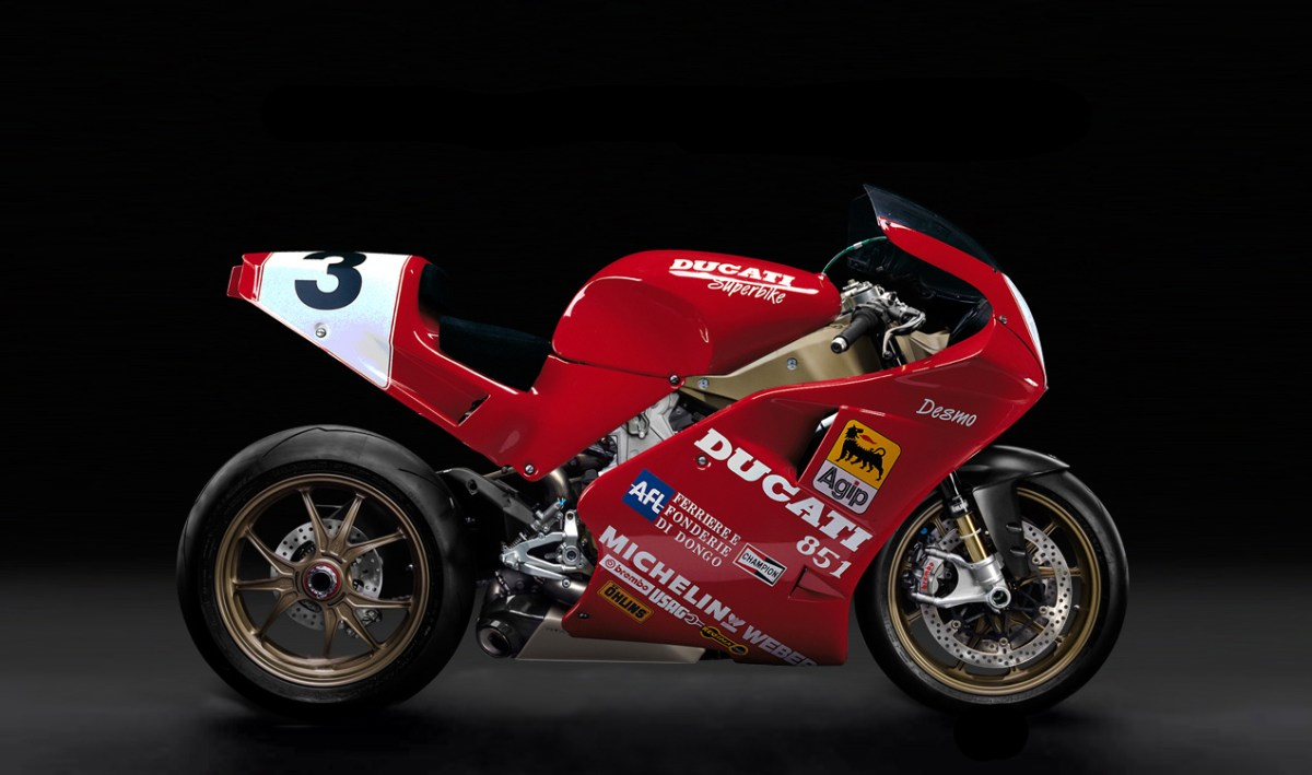 Ducati 851 Bodywork on a Panigale Looks Damn Good