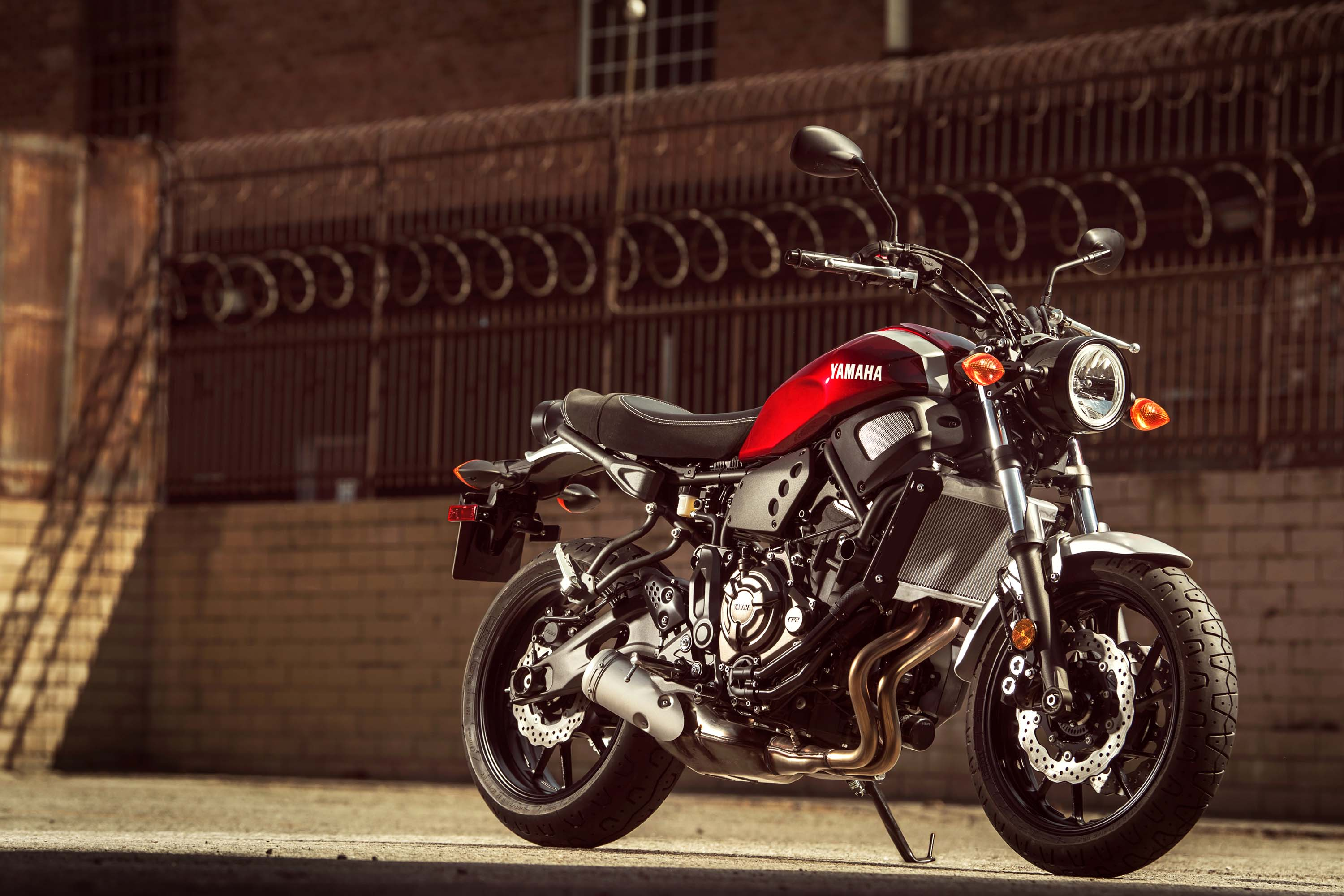 Yamaha xsr700 brings the hip to the usa for 2018 asphalt for Yamaha new motorcycles 2018