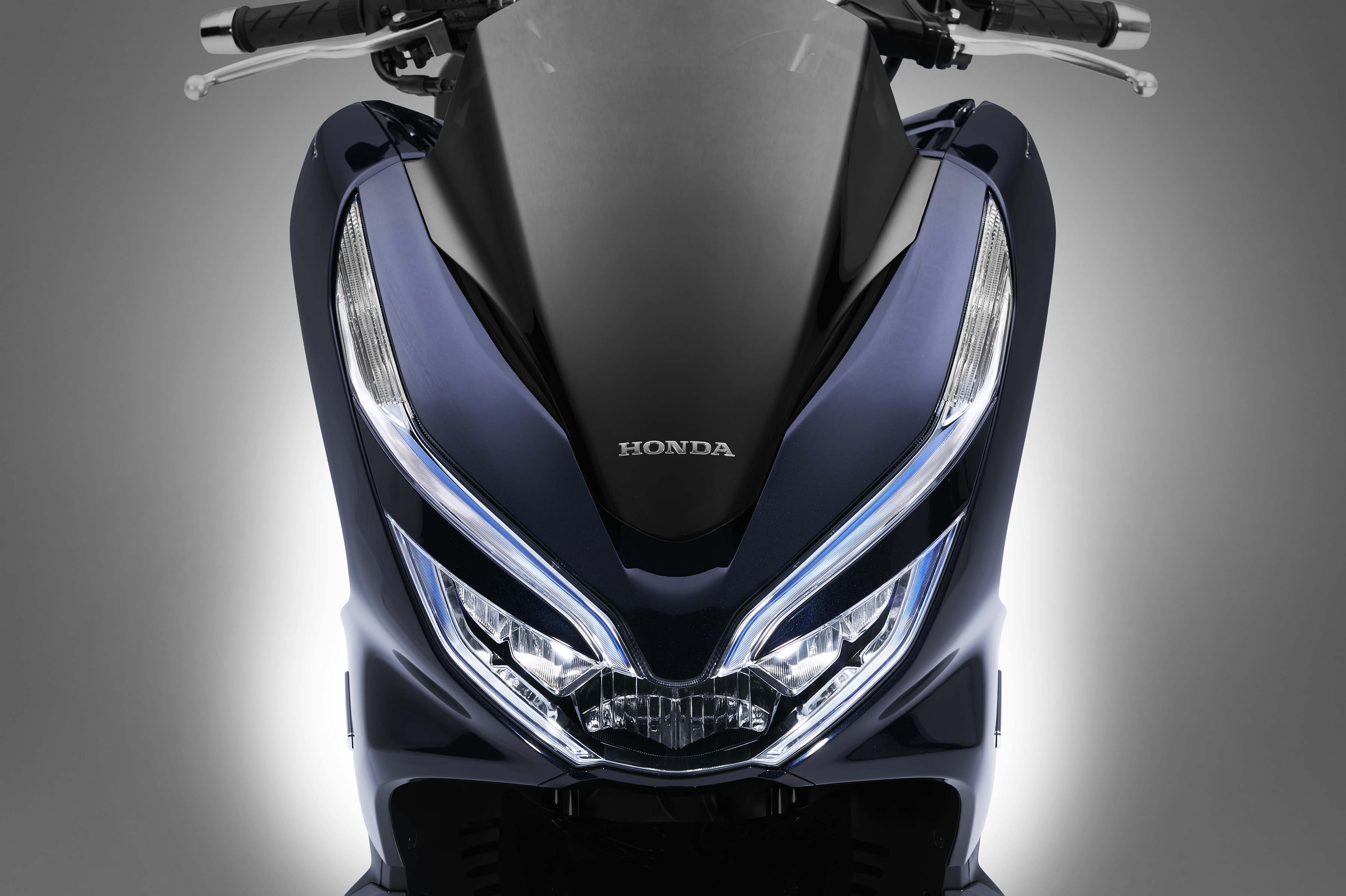 Honda Debuts Hybrid And Electric Scooters For 2018 Asphalt Rubber