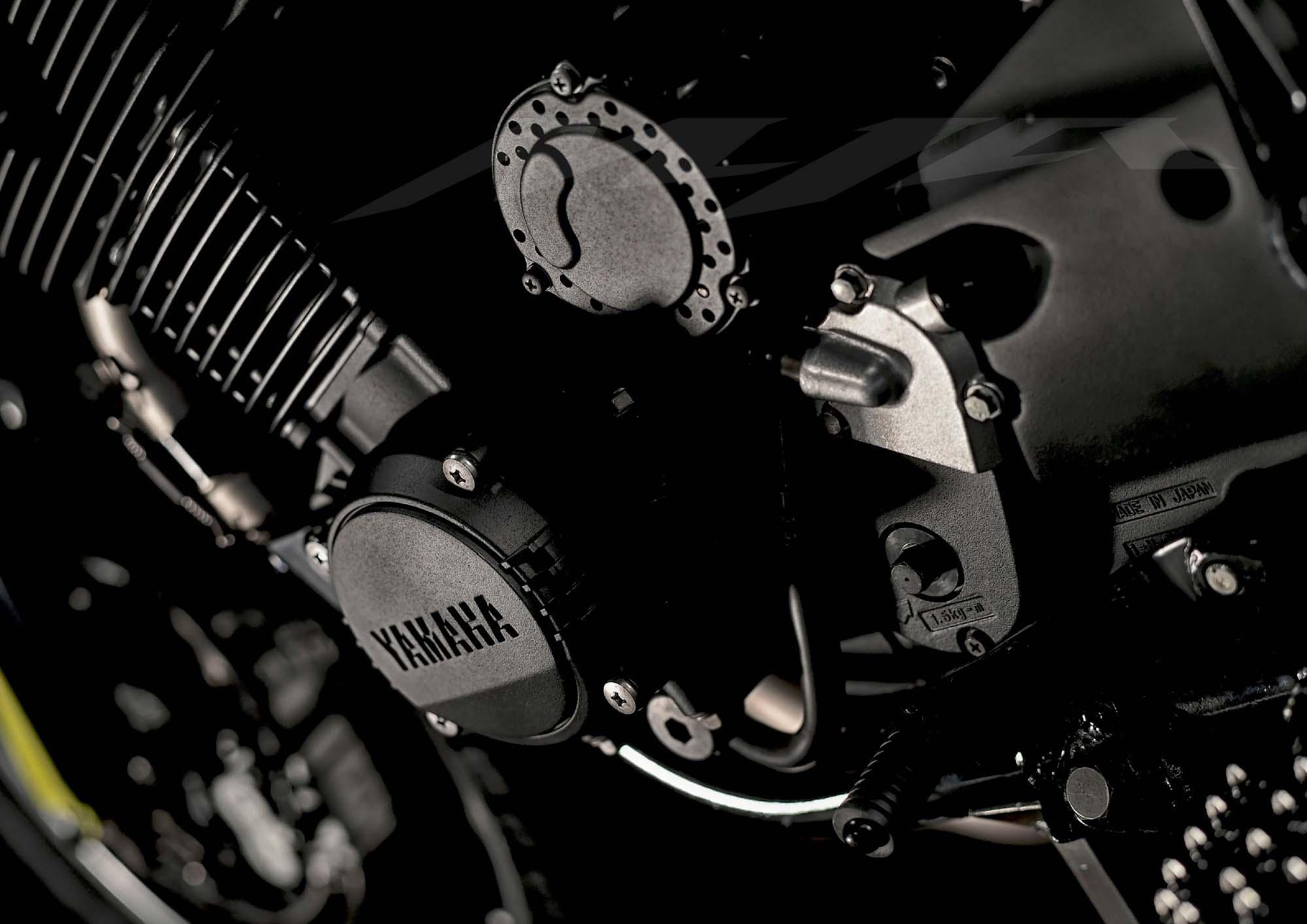 Valentino Rossi's Special Yamaha XJR1300 Flat Tracker - Asphalt & Rubber