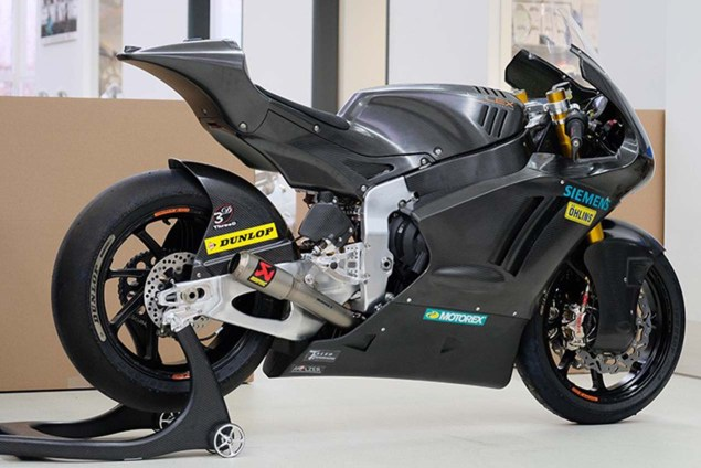 First Have a look at the Triumph-Powered Kalex Moto2 Race Bike