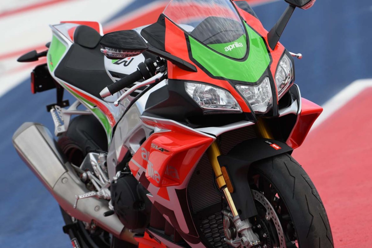 The 2018 Aprilia RSV4 RF LE Breaks Cover with Winglets