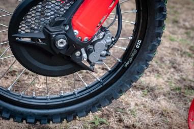 2019-Honda-CRF450L-asphaltandrubber-02