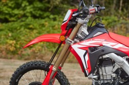 2019-Honda-CRF450L-static-details-04
