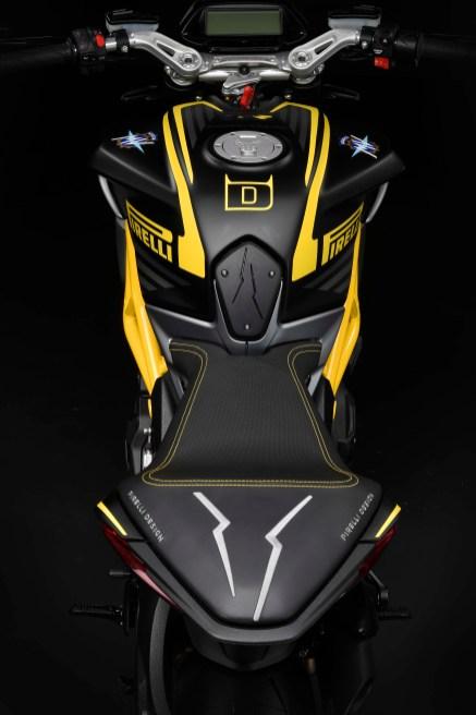 MV-Agusta-Dragster-800-RR-Pirelli-01