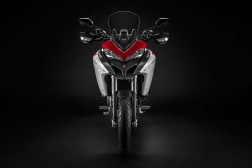 2019-Ducati-Multistrada-1260-Enduro-10