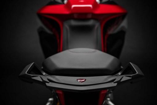 2019-Ducati-Multistrada-1260-Enduro-22