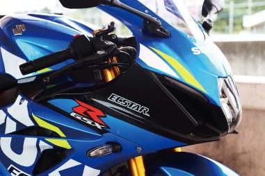 2019-Suzuki-GSX-R-1000-action-23