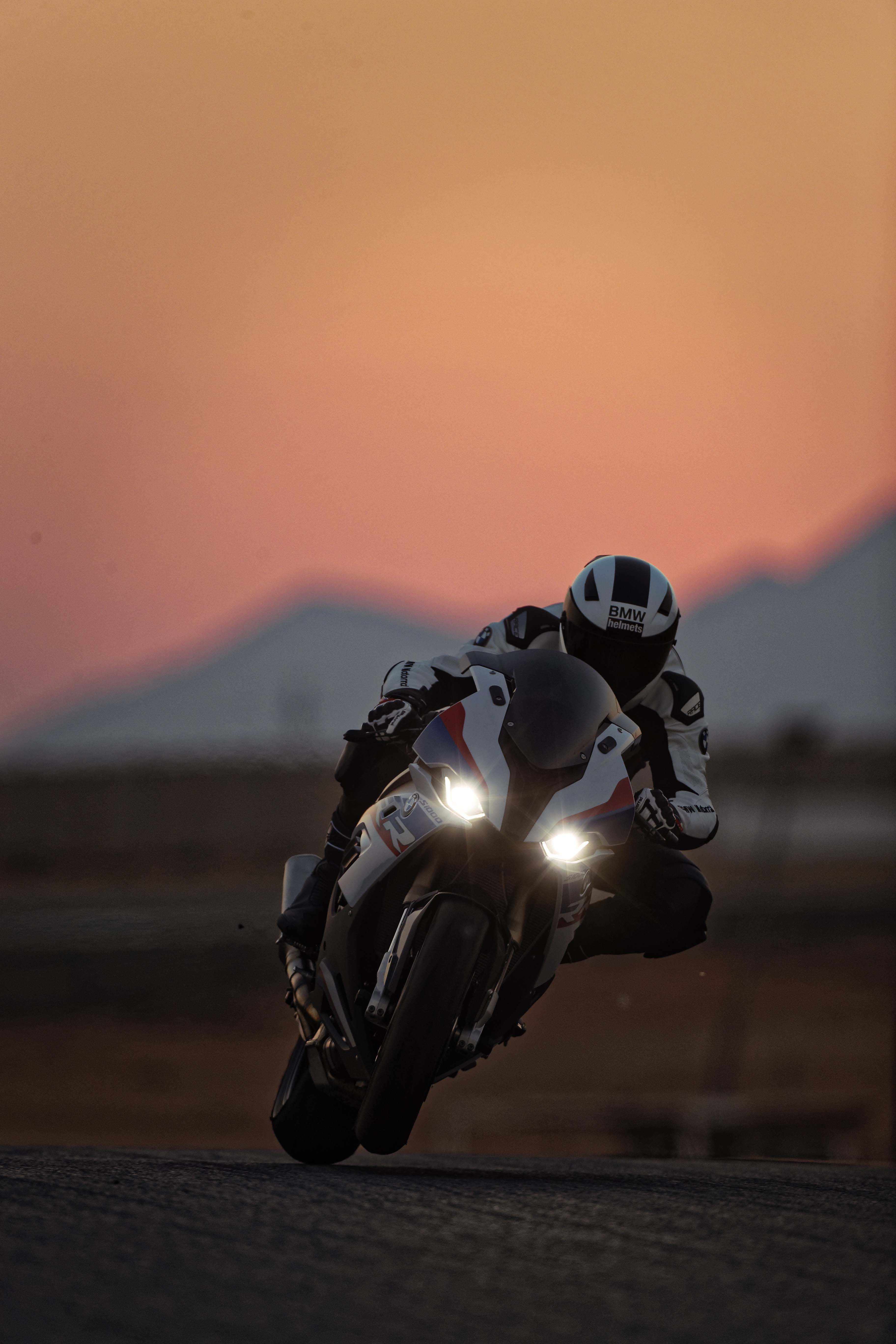 The New Bmw S1000rr Superbike Is Finally Here Asphalt Rubber