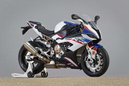 2019-BMW-S1000RR-68