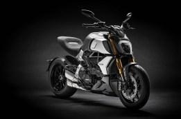2019-Ducati-Diavel-1260-S-05