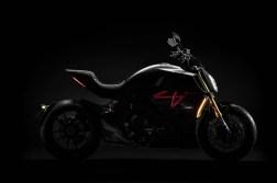 2019-Ducati-Diavel-1260-S-31