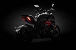 2019-Ducati-Diavel-1260-S-35