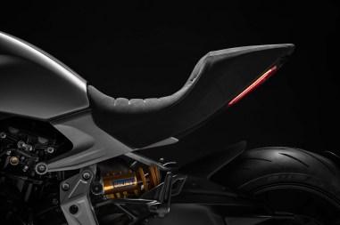 2019-Ducati-Diavel-1260-S-64