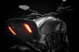 2019-Ducati-Diavel-1260-S-65