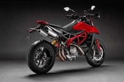 2019-Ducati-Hypermotard-950-02
