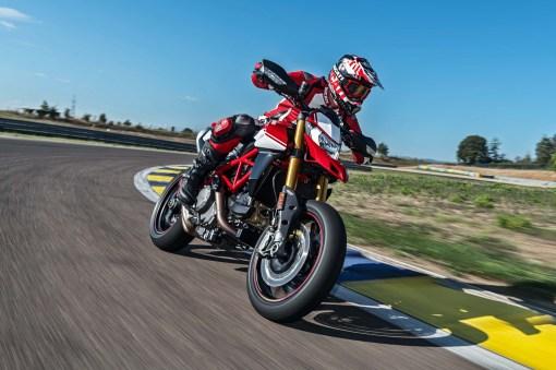 2019-Ducati-Hypermotard-950-SP-08