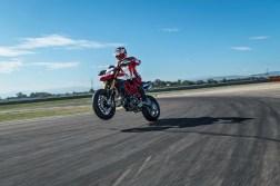 2019-Ducati-Hypermotard-950-SP-12