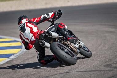 2019-Ducati-Hypermotard-950-SP-20