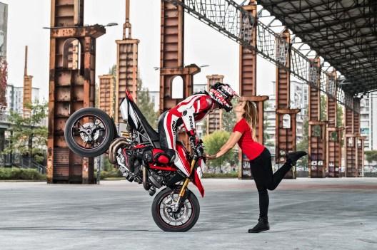 2019-Ducati-Hypermotard-950-SP-23