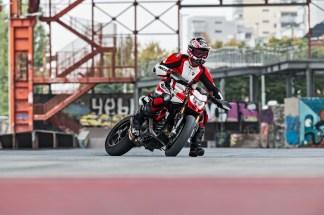 2019-Ducati-Hypermotard-950-SP-26