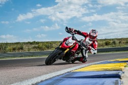 2019-Ducati-Hypermotard-950-SP-38