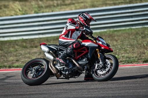 2019-Ducati-Hypermotard-950-SP-41