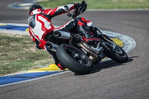 2019-Ducati-Hypermotard-950-SP-44