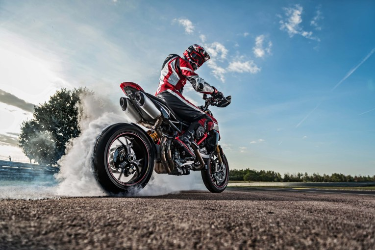 2019-Ducati-Hypermotard-950-SP-51