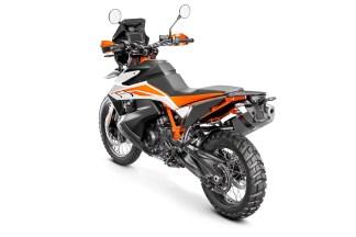 2019-KTM-790-Adventure-R-14