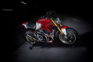Ducati-Monster-1200-Tricolore-Motovation-14