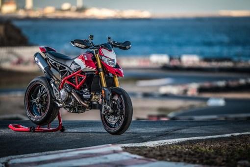 2019-Ducati-Hypermotard-950-SP-press-launch-static-08