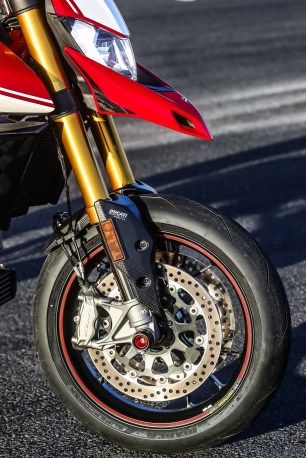 2019-Ducati-Hypermotard-950-SP-press-launch-static-38