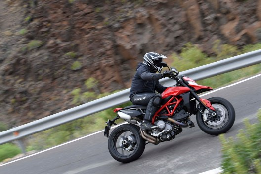 2019-Ducati-Hypermotard-950-press-launch-07