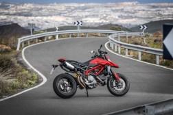 2019-Ducati-Hypermotard-950-press-launch-static-03