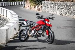 2019-Ducati-Hypermotard-950-press-launch-static-11
