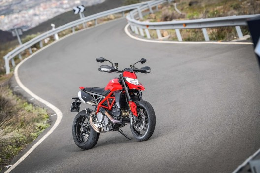 2019-Ducati-Hypermotard-950-press-launch-static-16