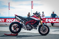 Ducati-Hypermotard-950-SP-Ducati-Performance-launch-JJB-04