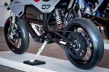 Huge-Design-Zero-FX-custom-One-Moto-Show-14