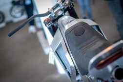 Moto-Mucci-KTM-300-XCW-street-tracker-07